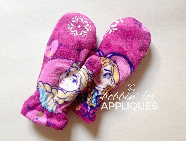 Children's sized lined Mittens ITH